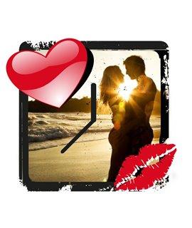 Orologio LOVE IS in MDF Personalizzabile